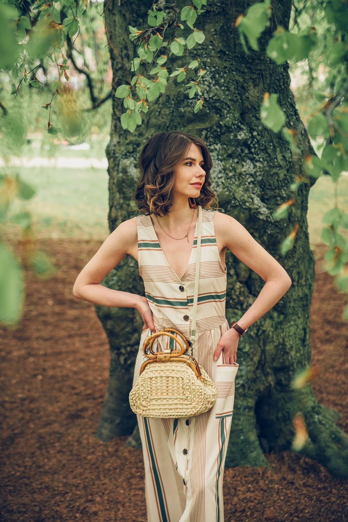 blog modowy o modzie beżowa sukienka