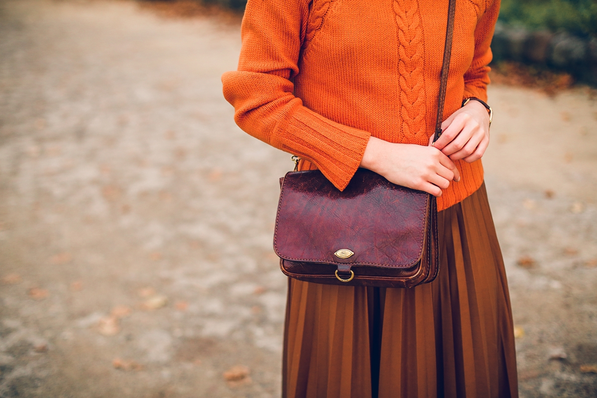 torebka vintage sweter wełniany second hand plisowana spódnica