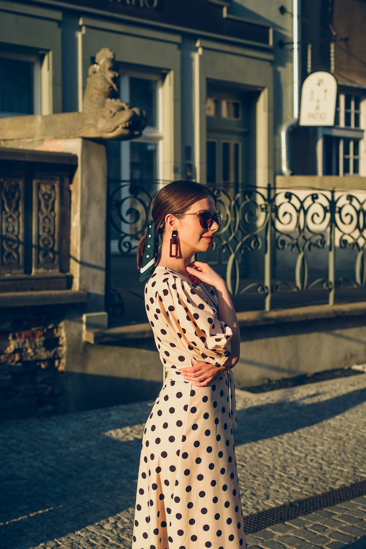 sukienka w grochy