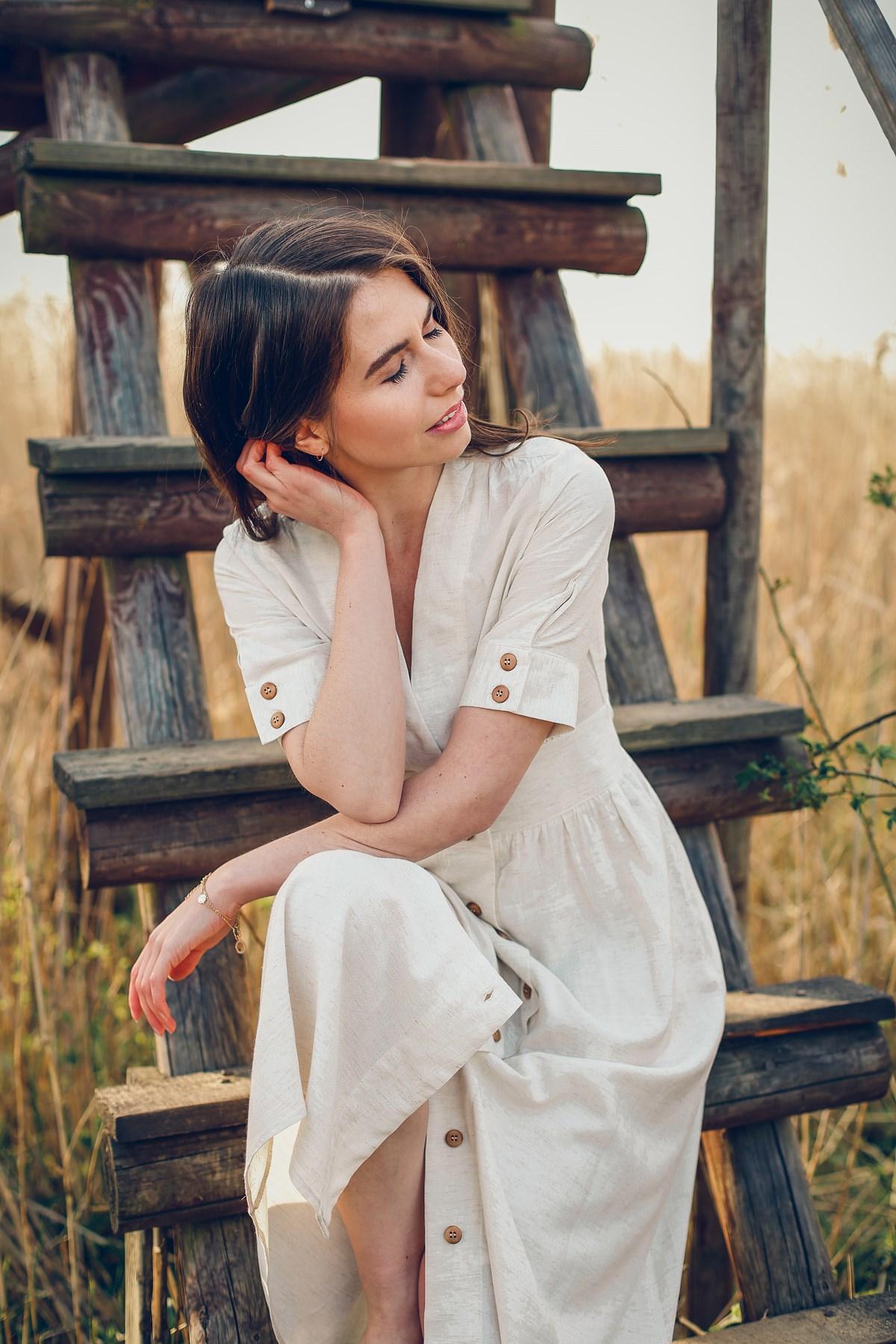 wiskozowa sukienka z domieszką lnu