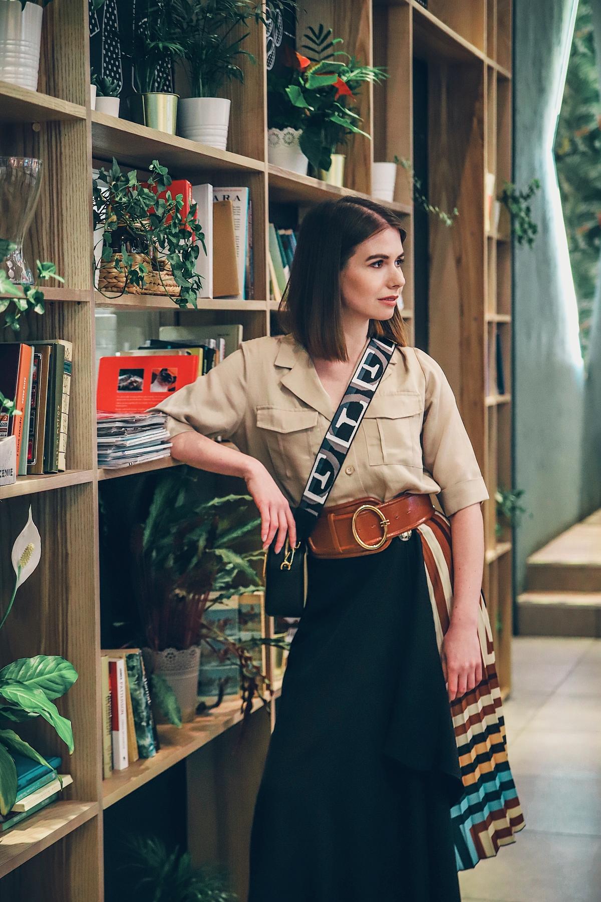 koszula safari spódnica plisowana furla brava sesja blog modowy