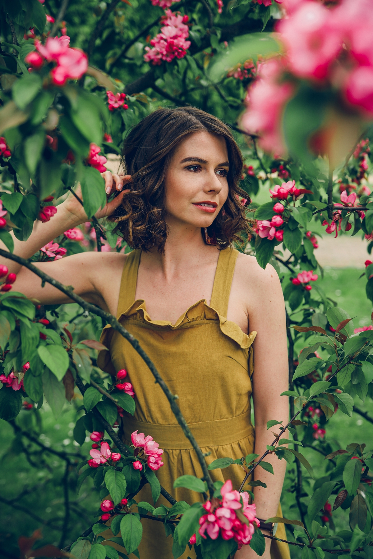 letnia sukienka z falbaną
