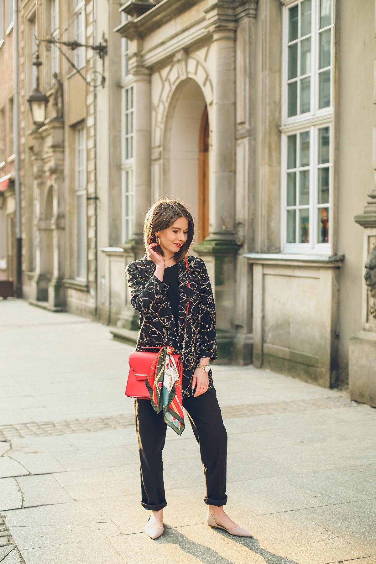 scarf print versace trend czarna stylizacja orsay