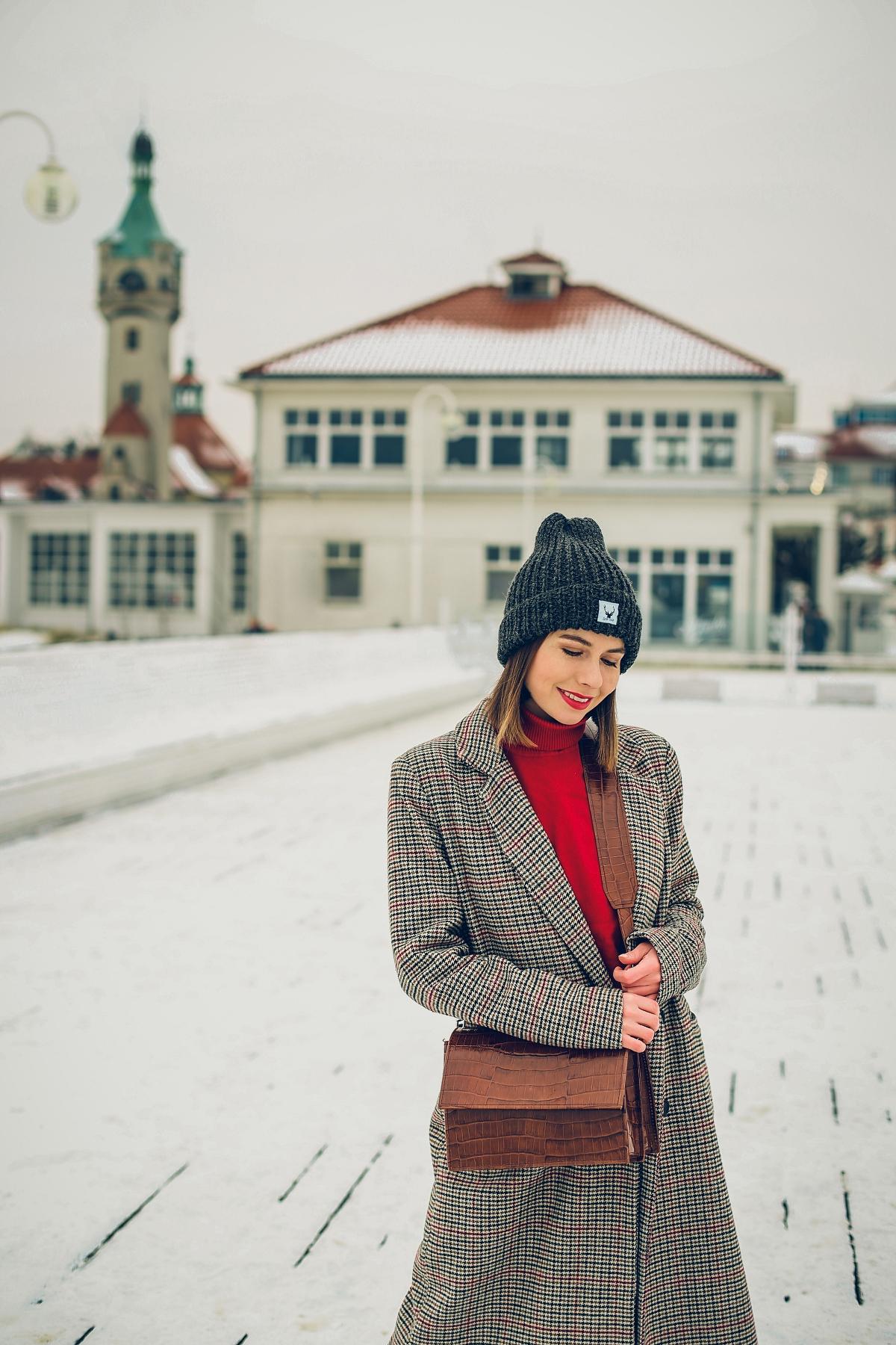 zimowa stylizacja blog modowy czerwony golf (7)